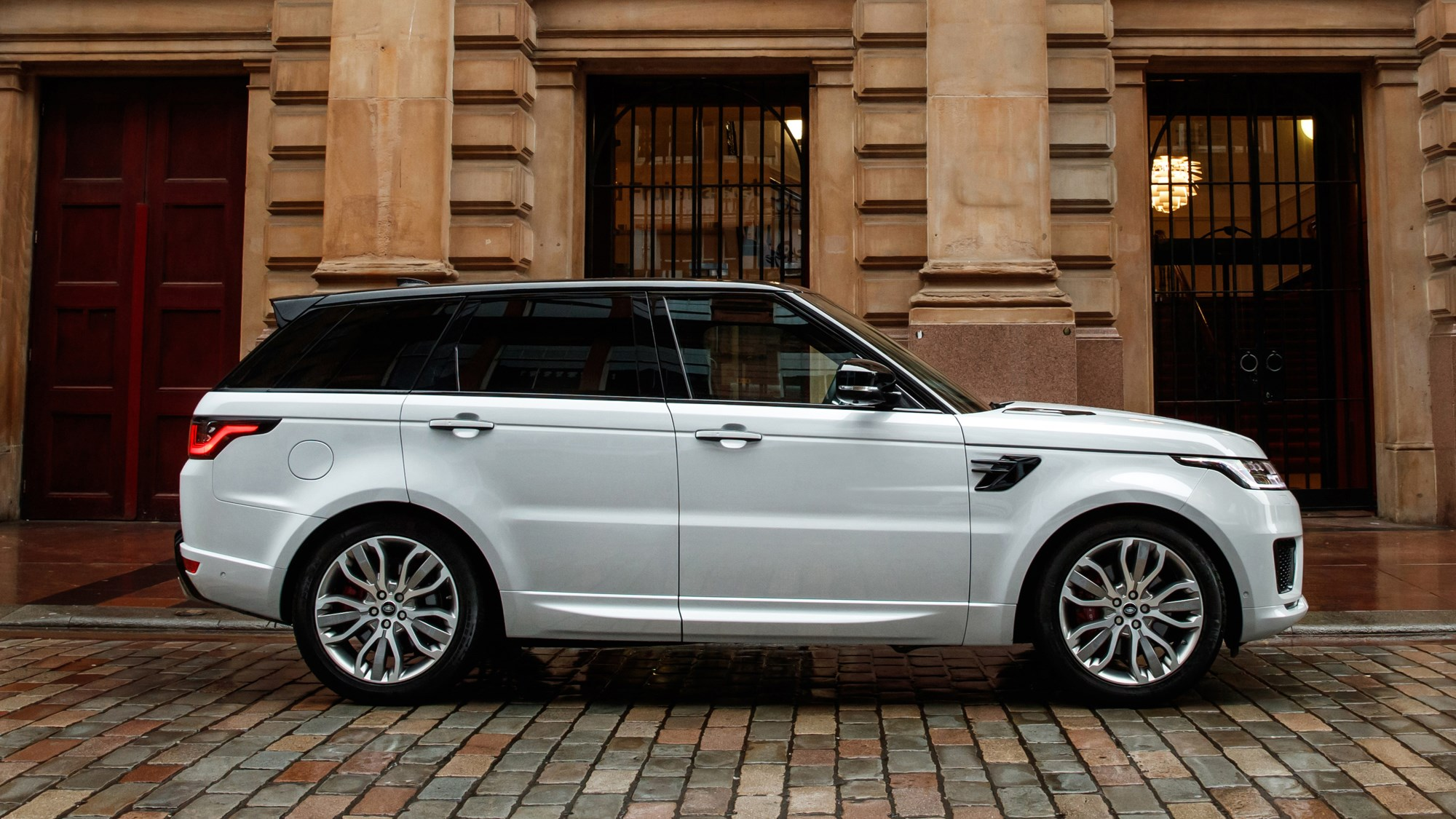 White Land Rover Range Rover Sport D350 side elevation