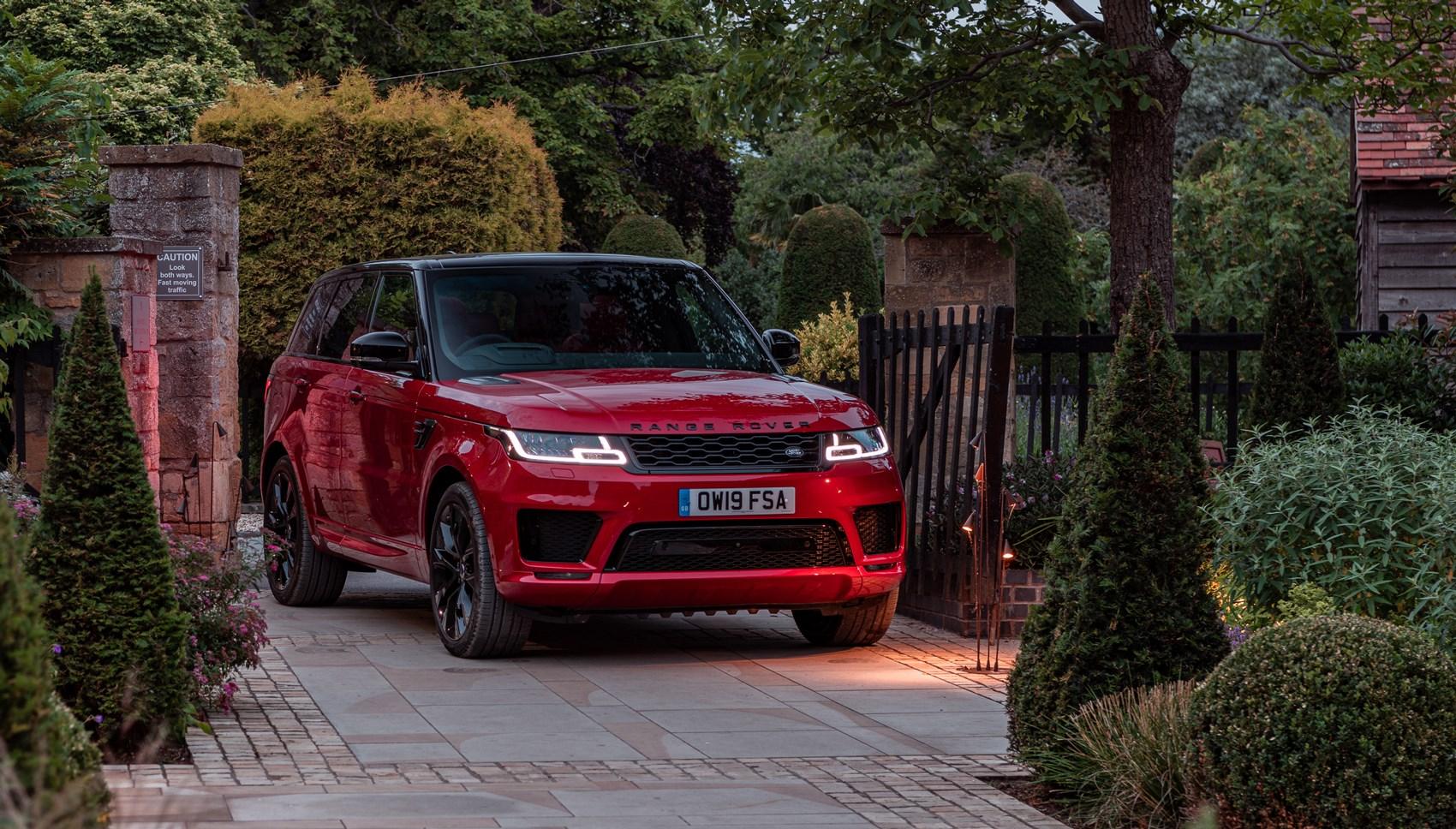 Range Rover Sport HST front