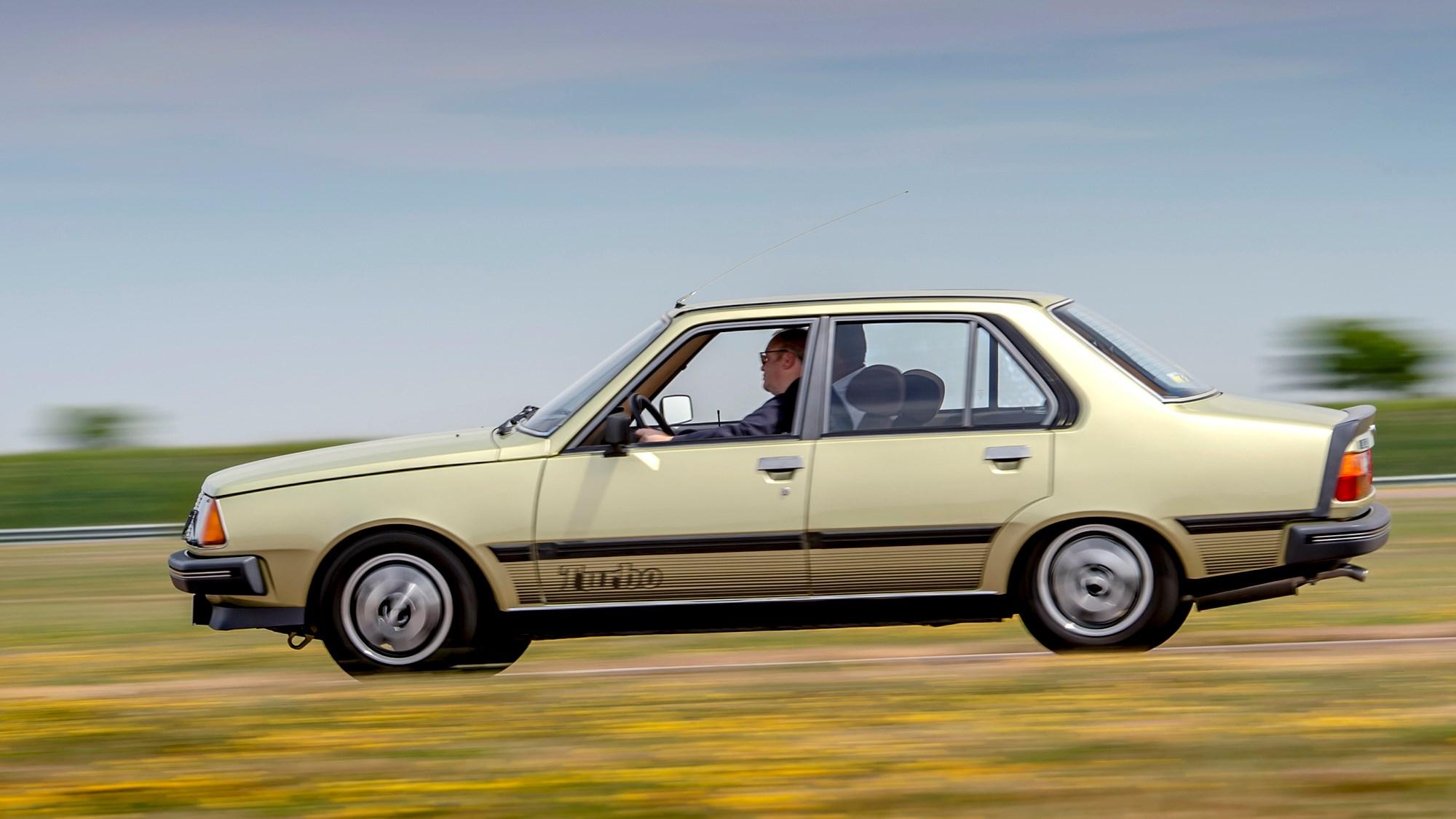 Renault 18 Turbo panning shot