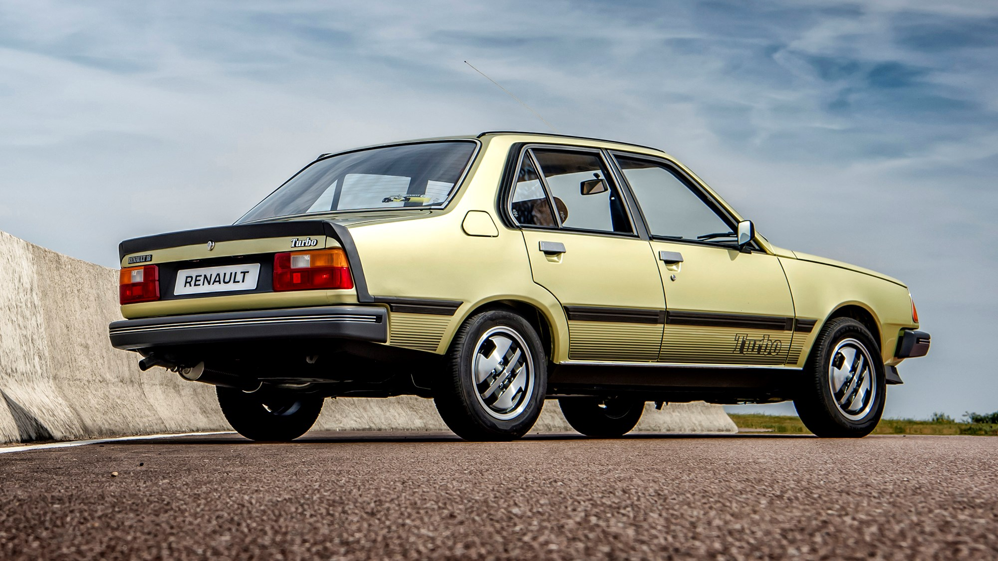 Driving the classics: Renault 18 Turbo review | CAR Magazine