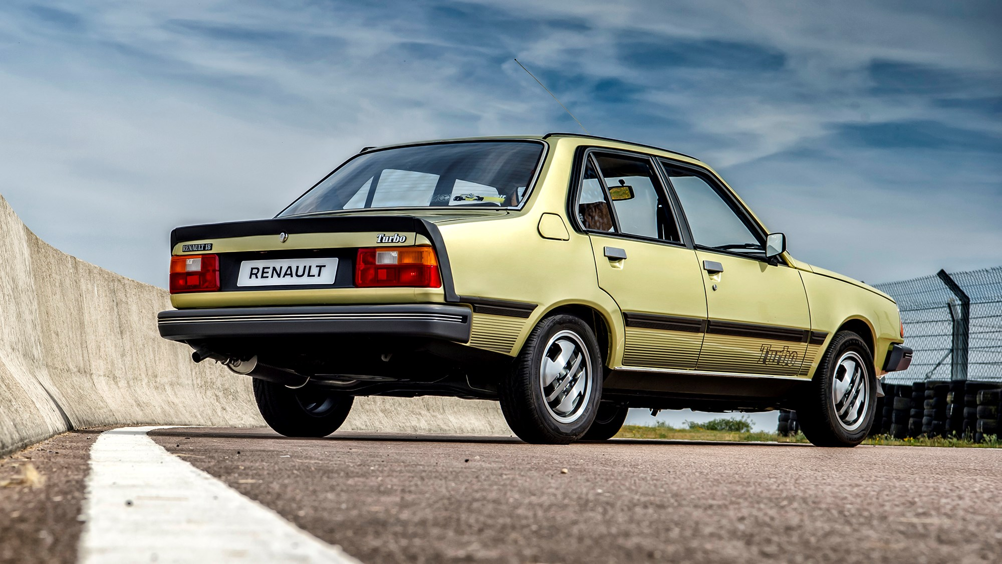 Renault 18 Turbo rear three-quarter view