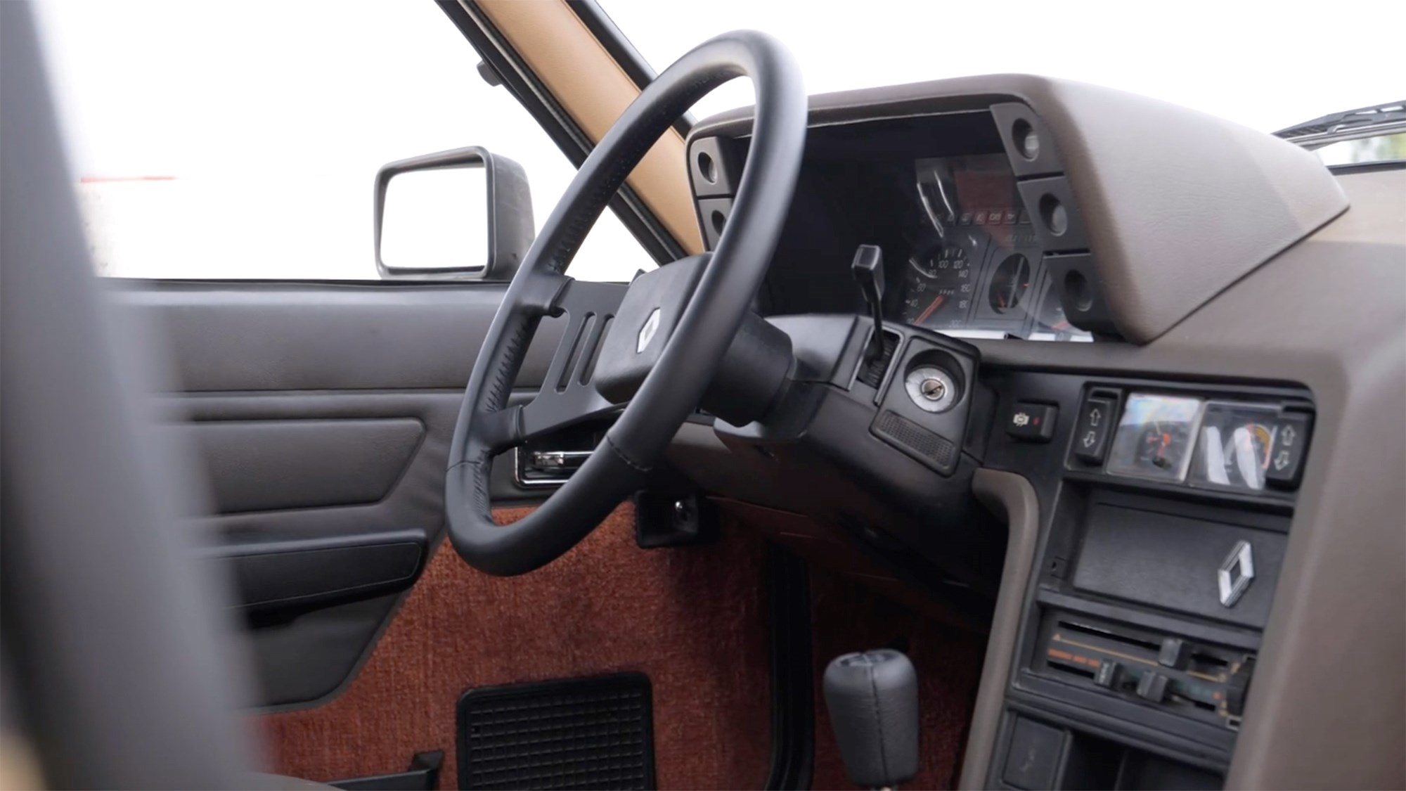 Renault 18 Turbo interior