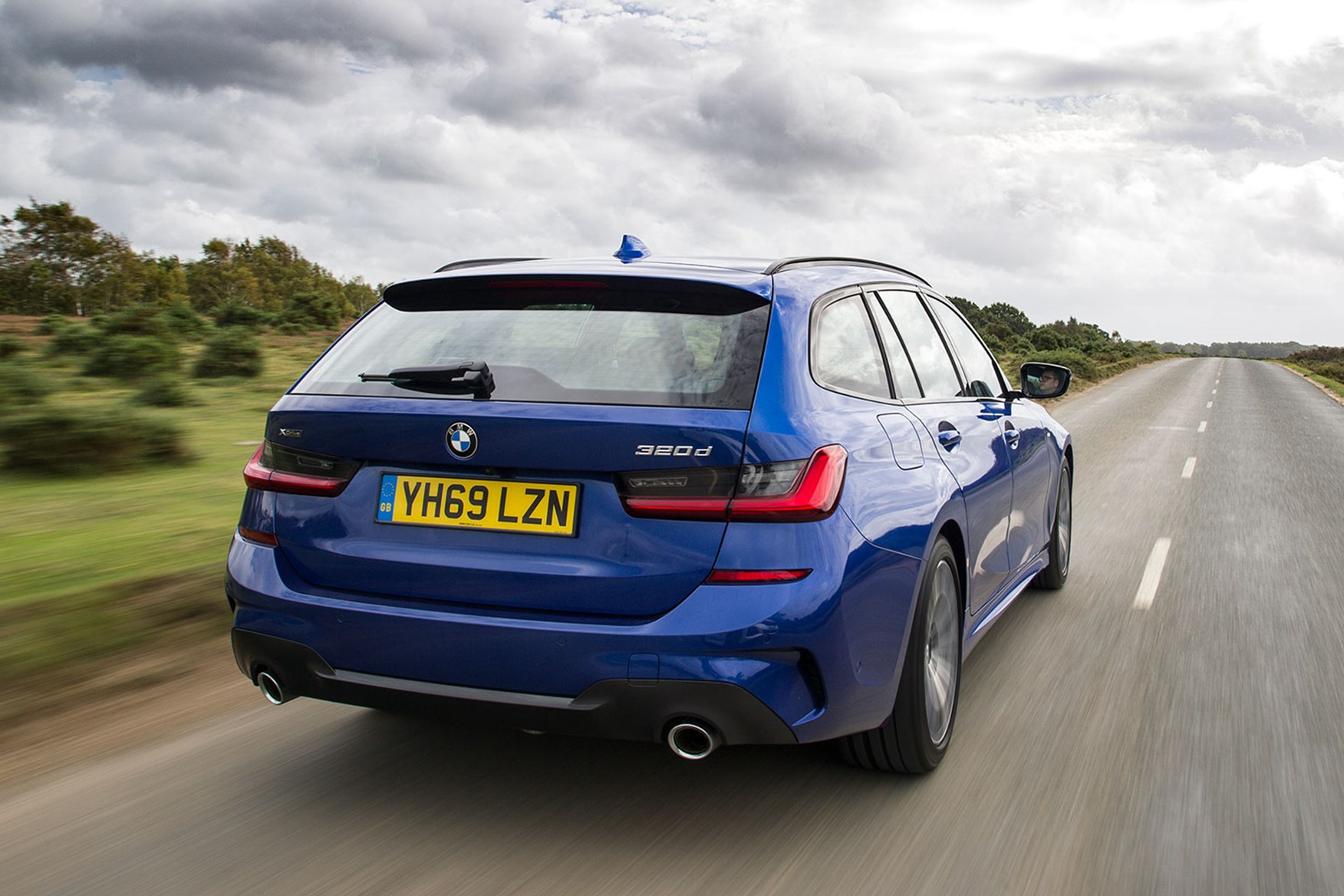New Bmw 3 Series Touring Review 320d And 330d Estates Driven In Uk Car Magazine