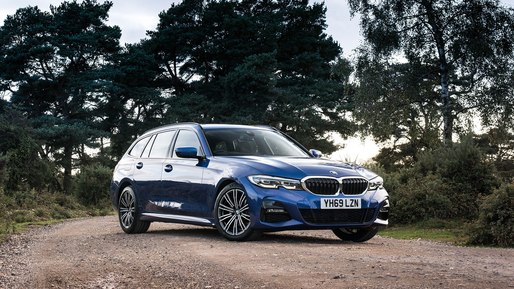 The new 2020 BMW 3-series Touring review by CAR magazine UK