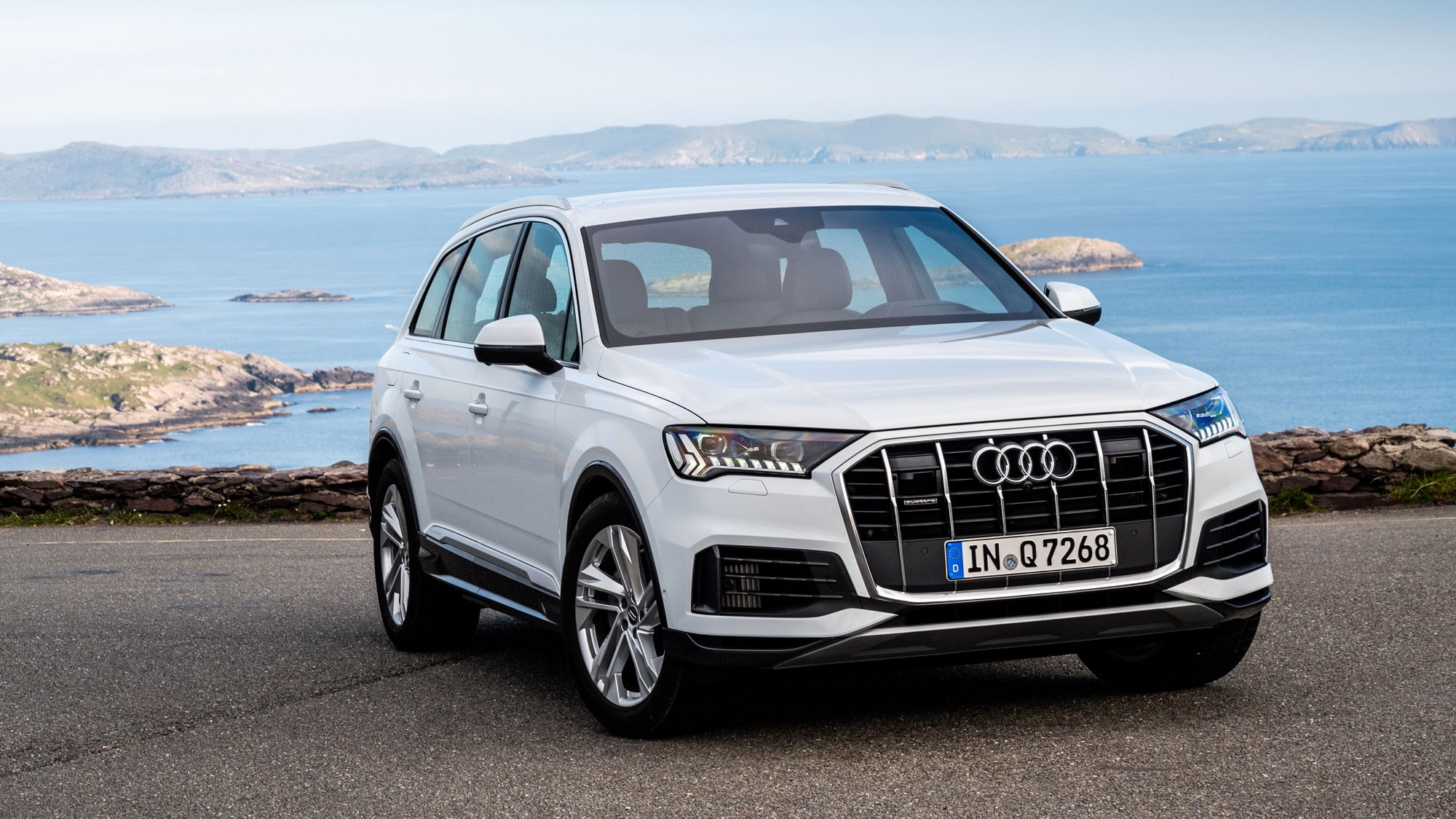 The new Q7 from the front