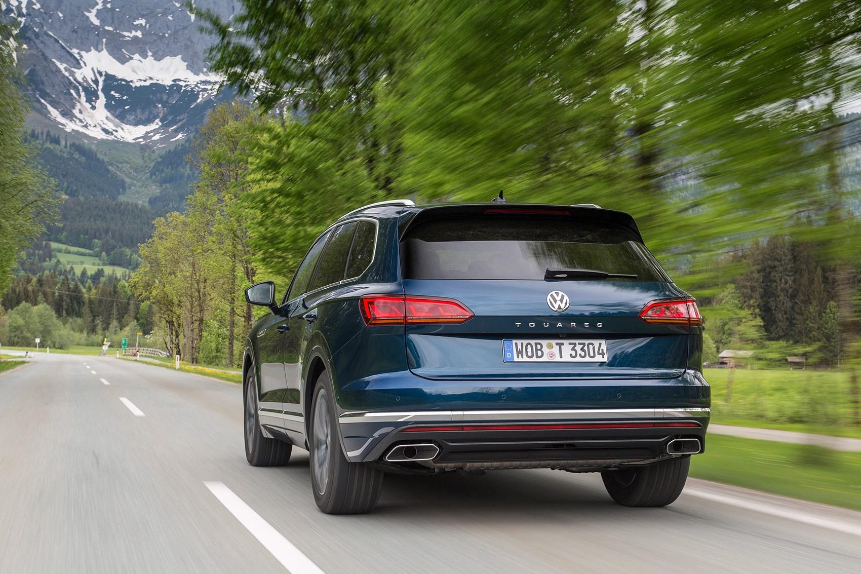 Vw Touareg 2018 >> Volkswagen Touareg Review Car Magazine