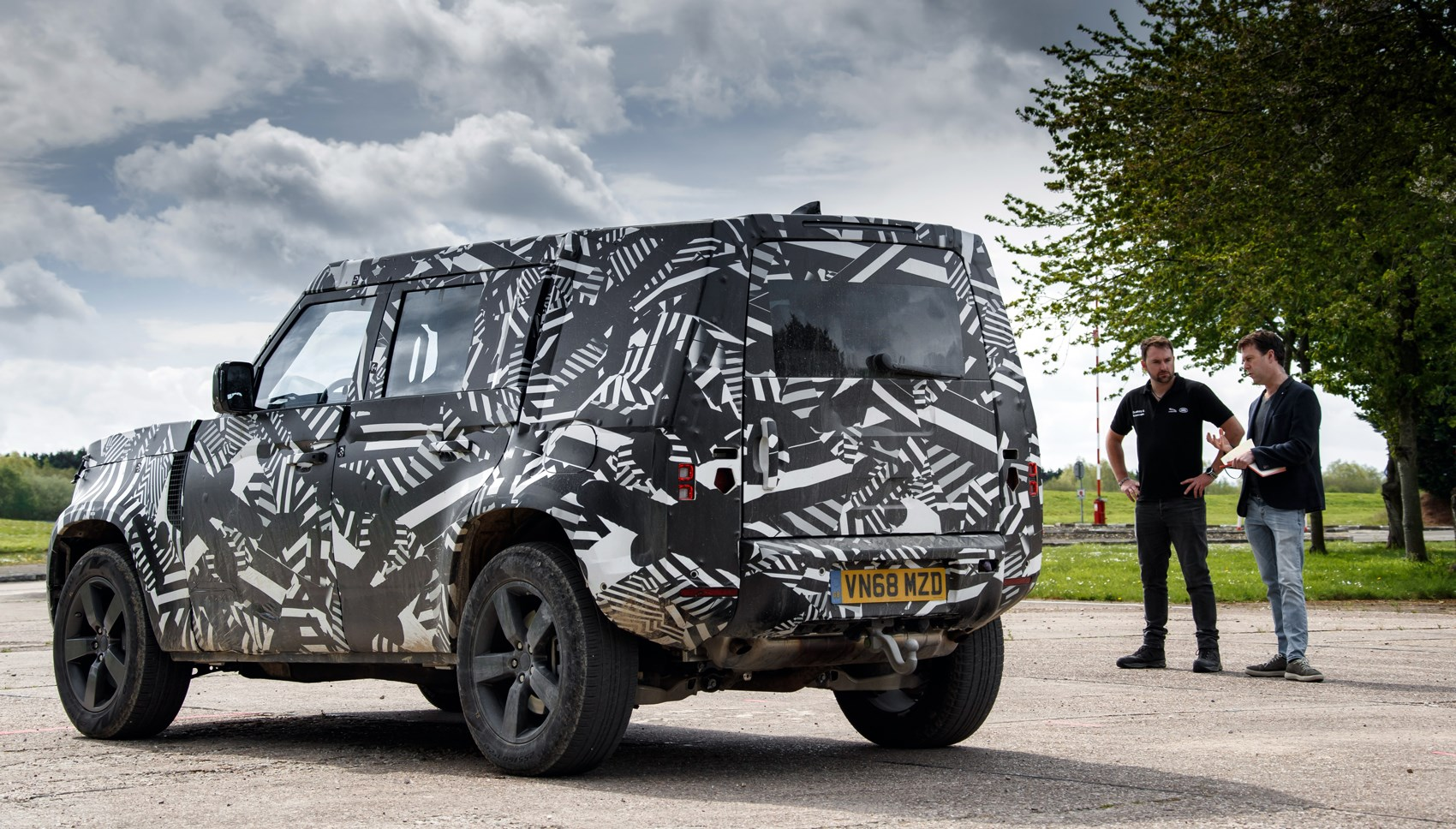 Land Rover Defender (2019): first ride review | CAR Magazine