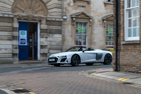 Audi R8 city cornering