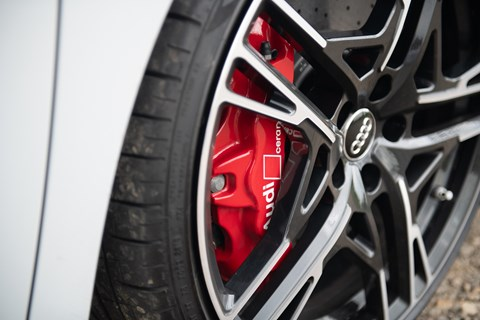 Audi R8 Spyder 20-inch alloy wheels