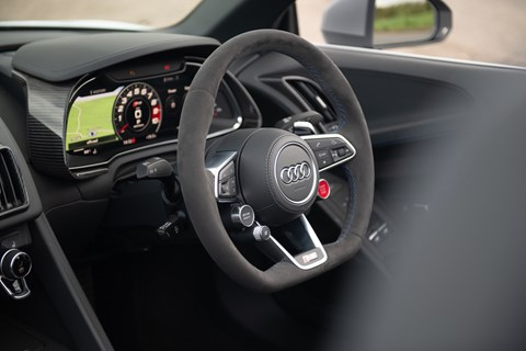 Audi R8 Spyder interior and cabin