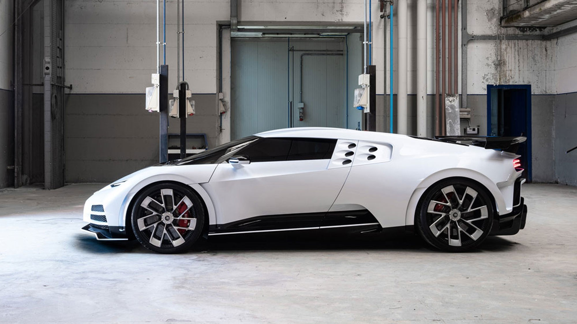 Bugatti's new 1600hp, $8.8 million Centodieci