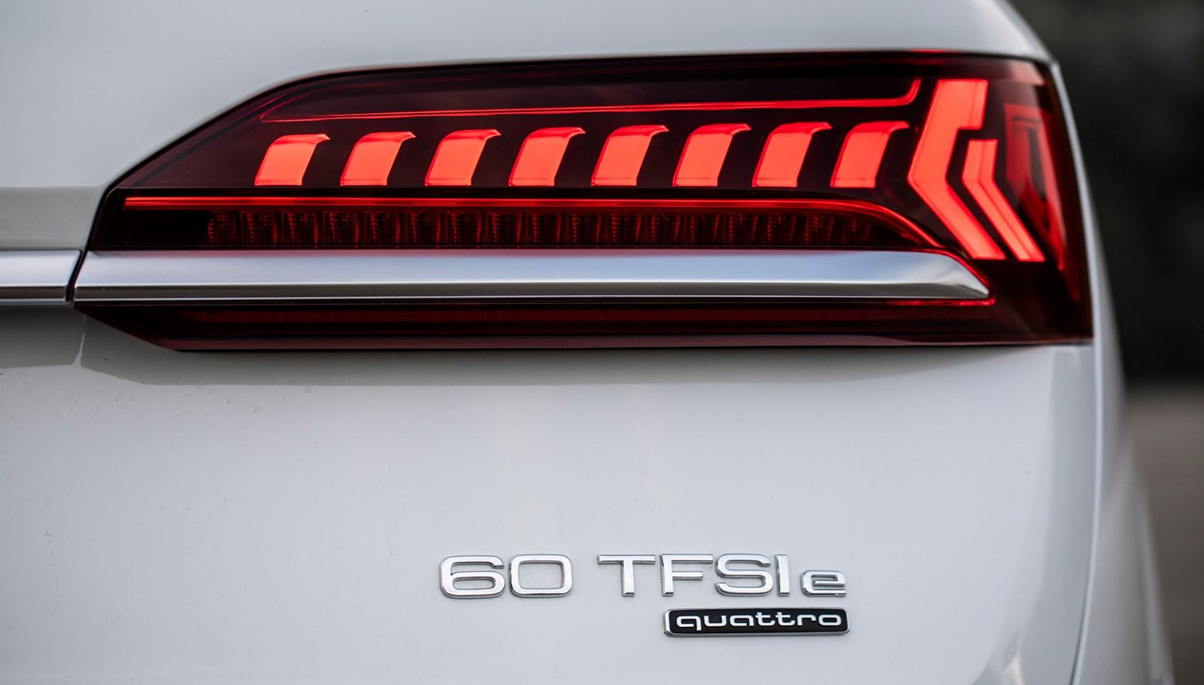 Audi Q7 hybrid badge