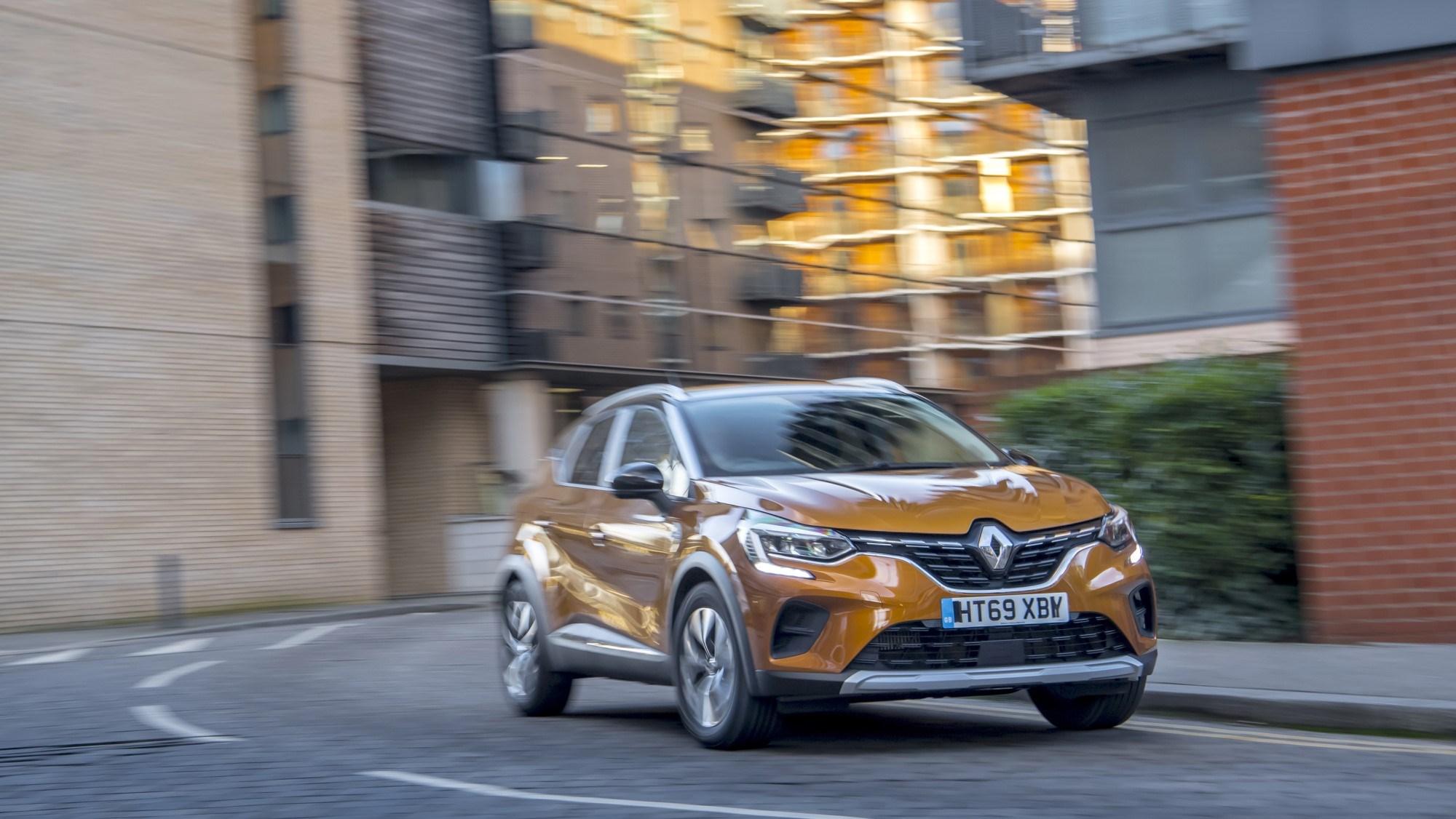 2020 Renault Captur front cornering