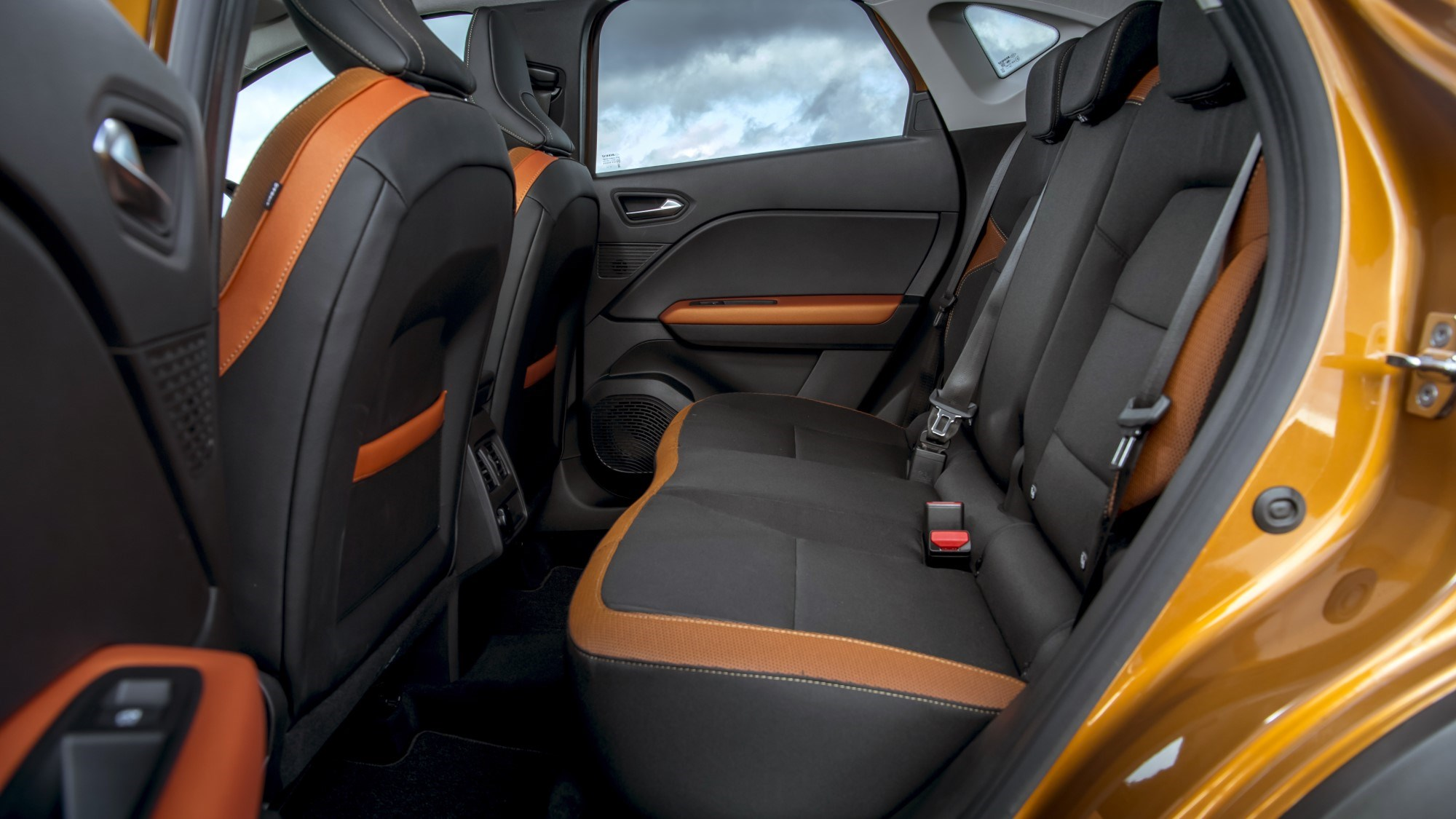 2020 Renault Captur rear seats