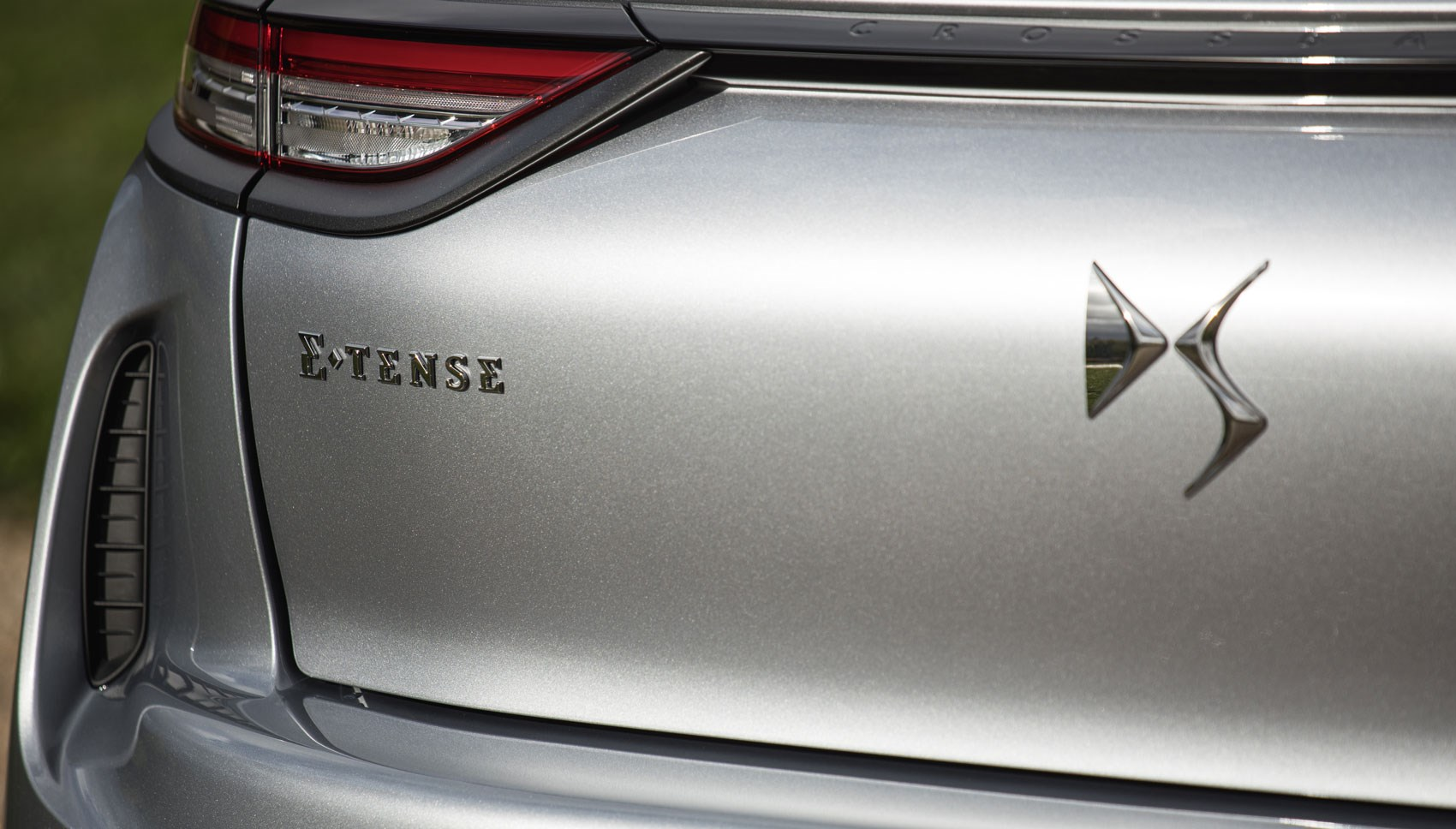 DS3 rear badge