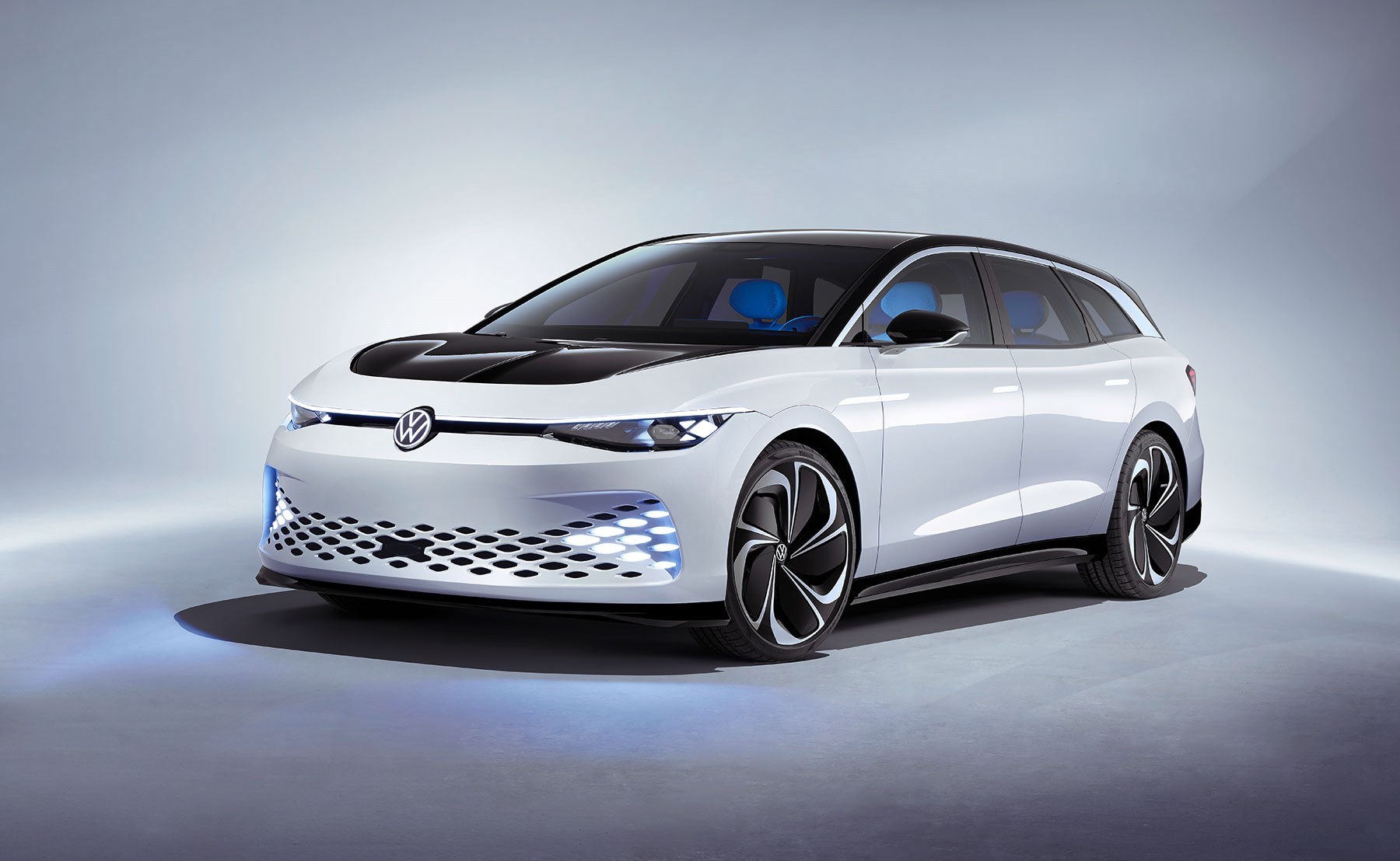 Volkswagen unveils the ID. Space Vizzion