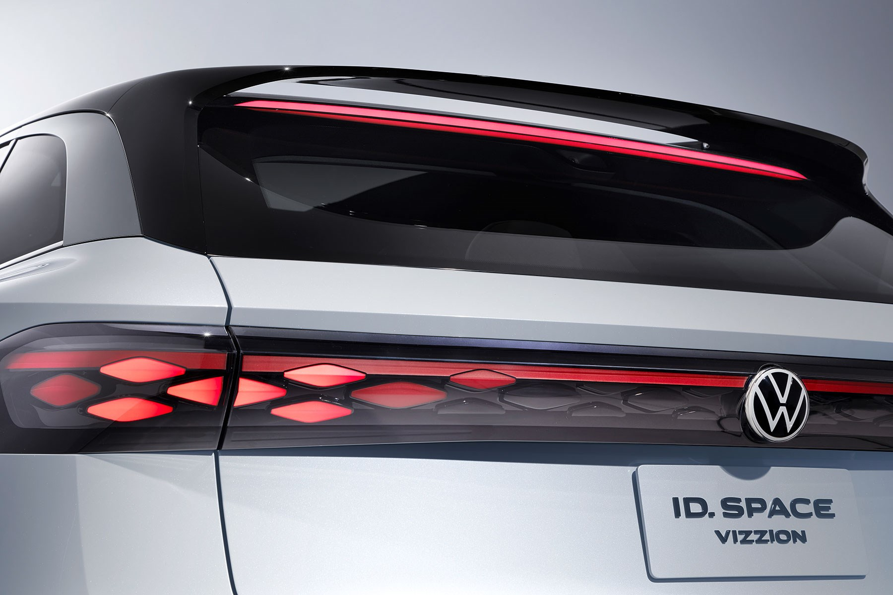 VW ID Space Vizzion concept previews new electric estate