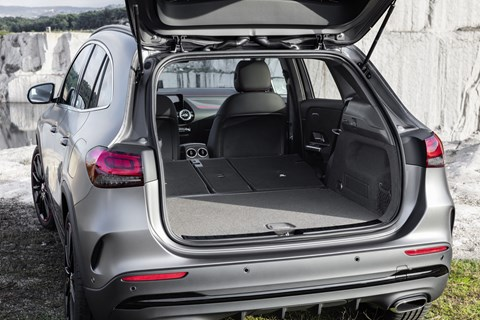 Mercedes GLA boot