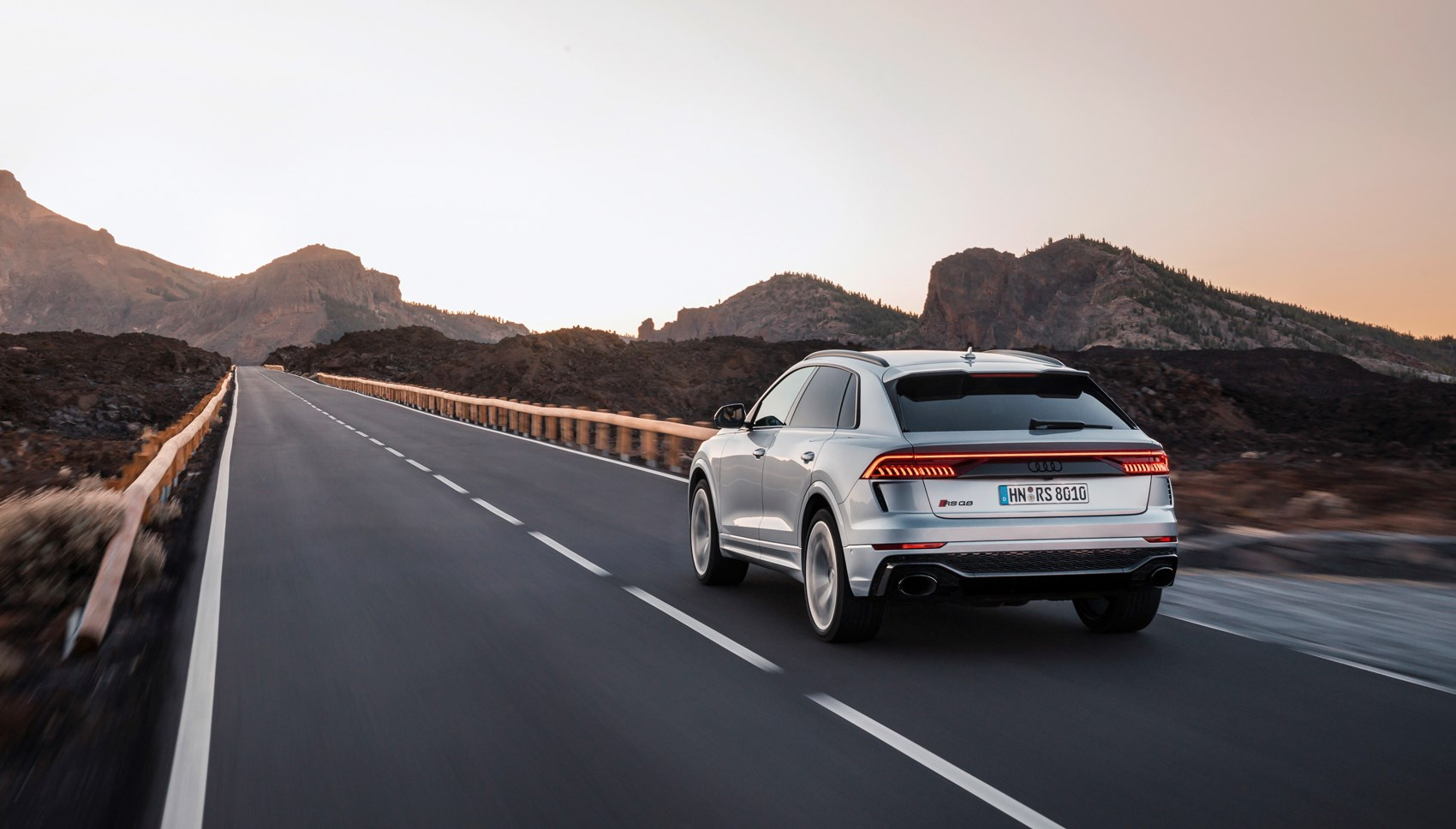 Audi RSQ8 rear tracking