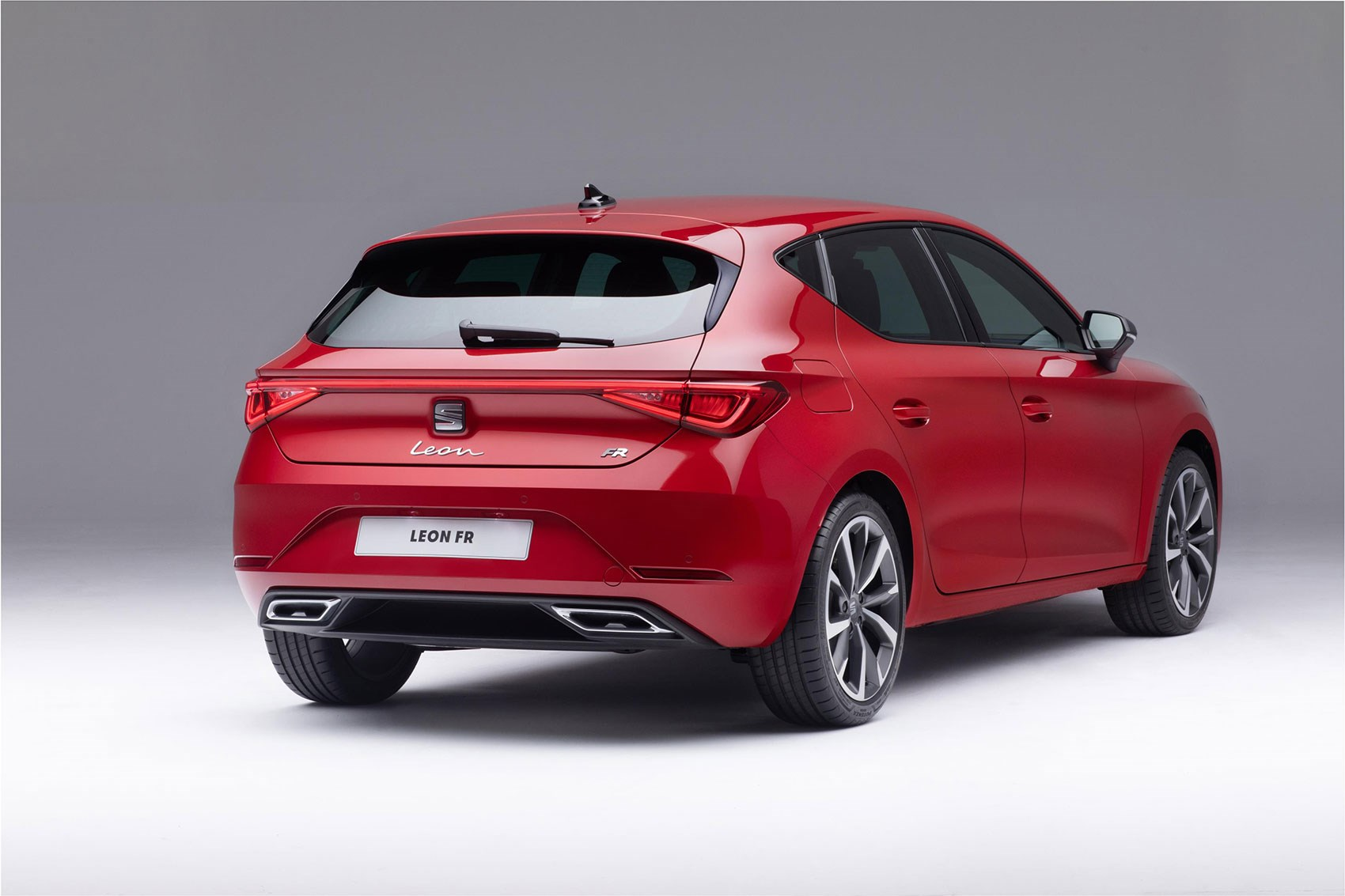 Seat Leon Hatchback 2020 Pictures Specs And Details