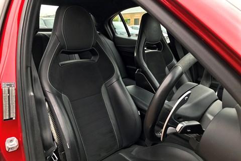 Alfa Romeo Giulia Quadrifoglio 2019 Sparco front seats