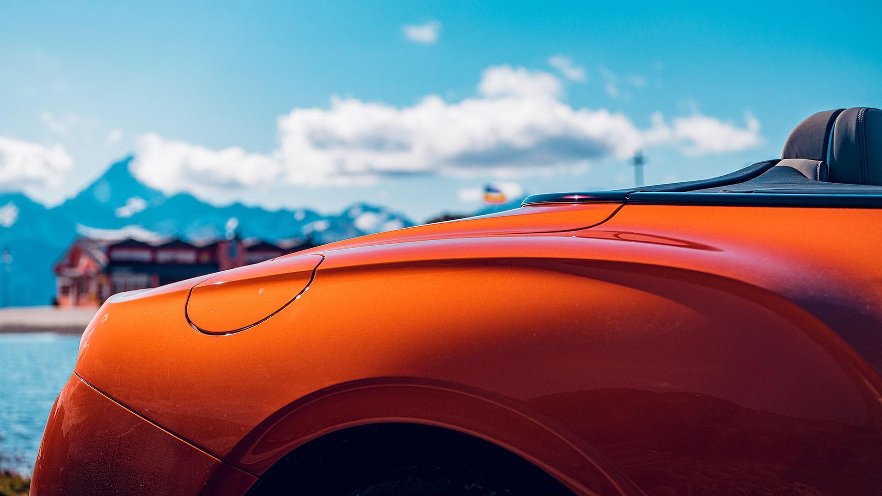 Aston Martin Dbs Superleggera Volante Vs Bentley Continental