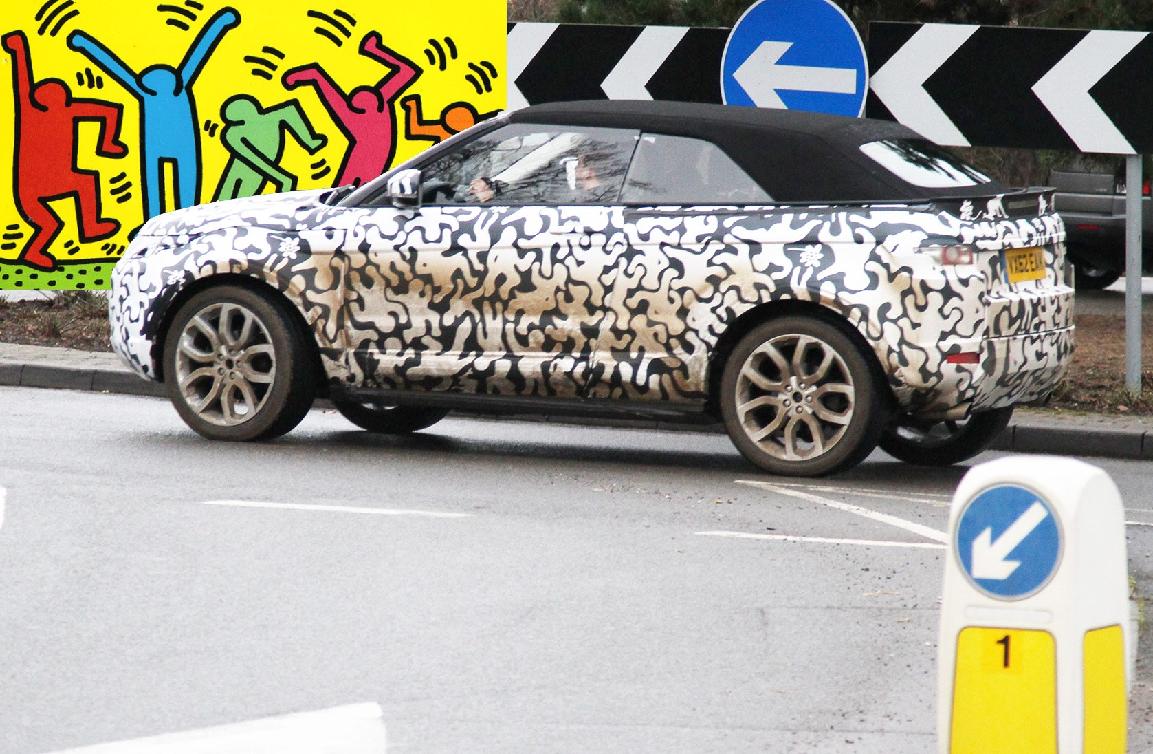 The Art Of Car Disguise Prototype Camouflage Decoded Magazine Click Here For A Photograph Range Rover Evoque Cabrio Shrouded In Keith Haring Style Camo