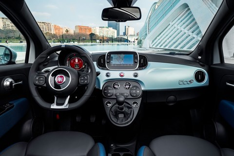 Fiat 500 hybrid interior