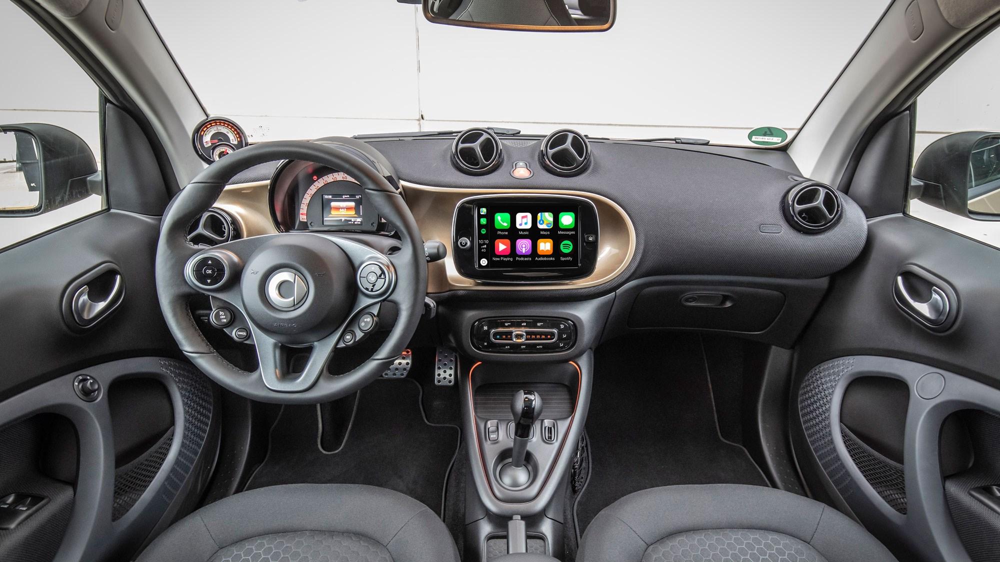 Smart Fortwo EQ interior 2020