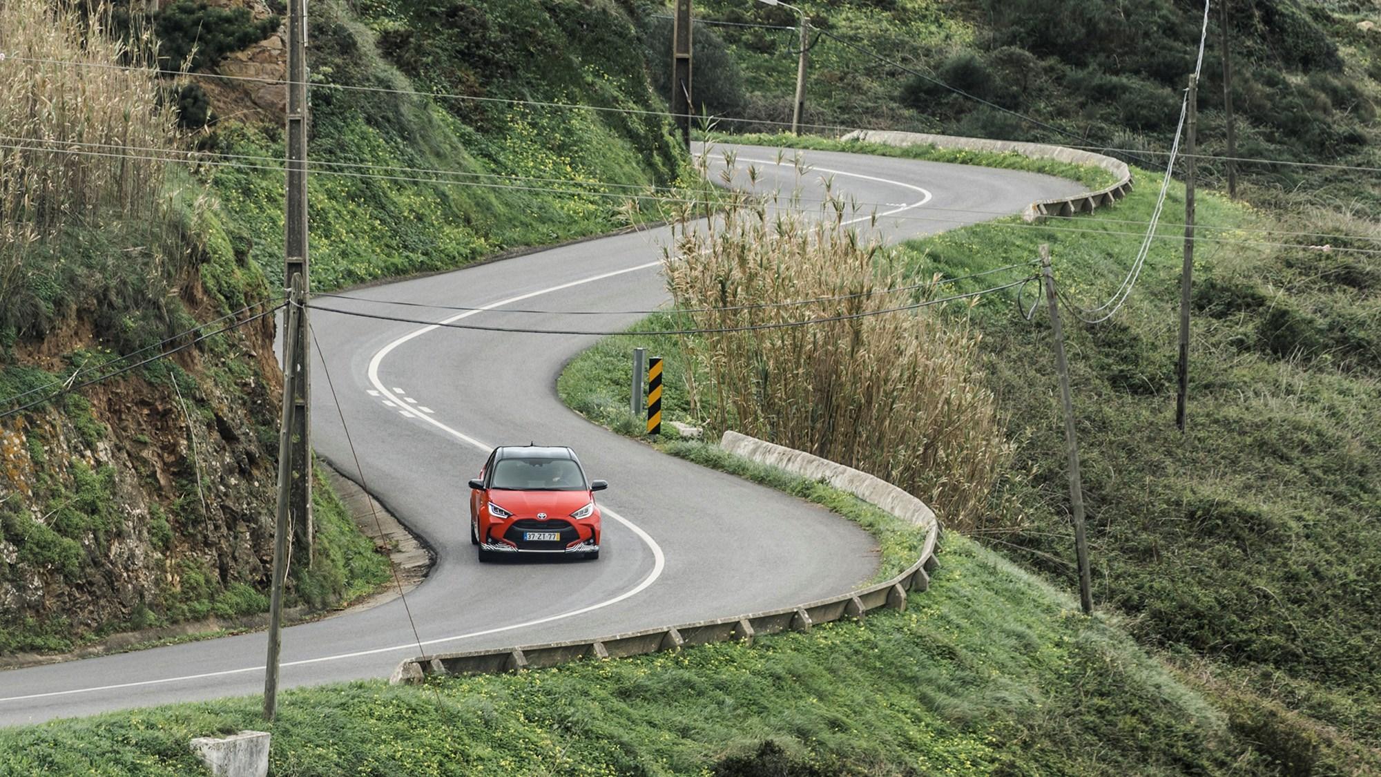 Toyota Yaris Hybrid 2020 driving