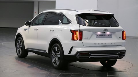 2020 Kia Sorento rear three quarter
