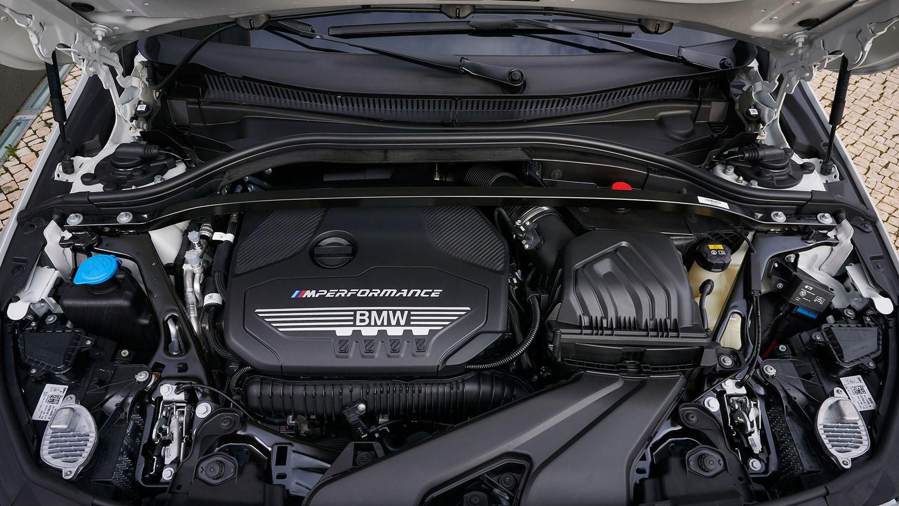 BMW M235i Gran Coupe engine 2020