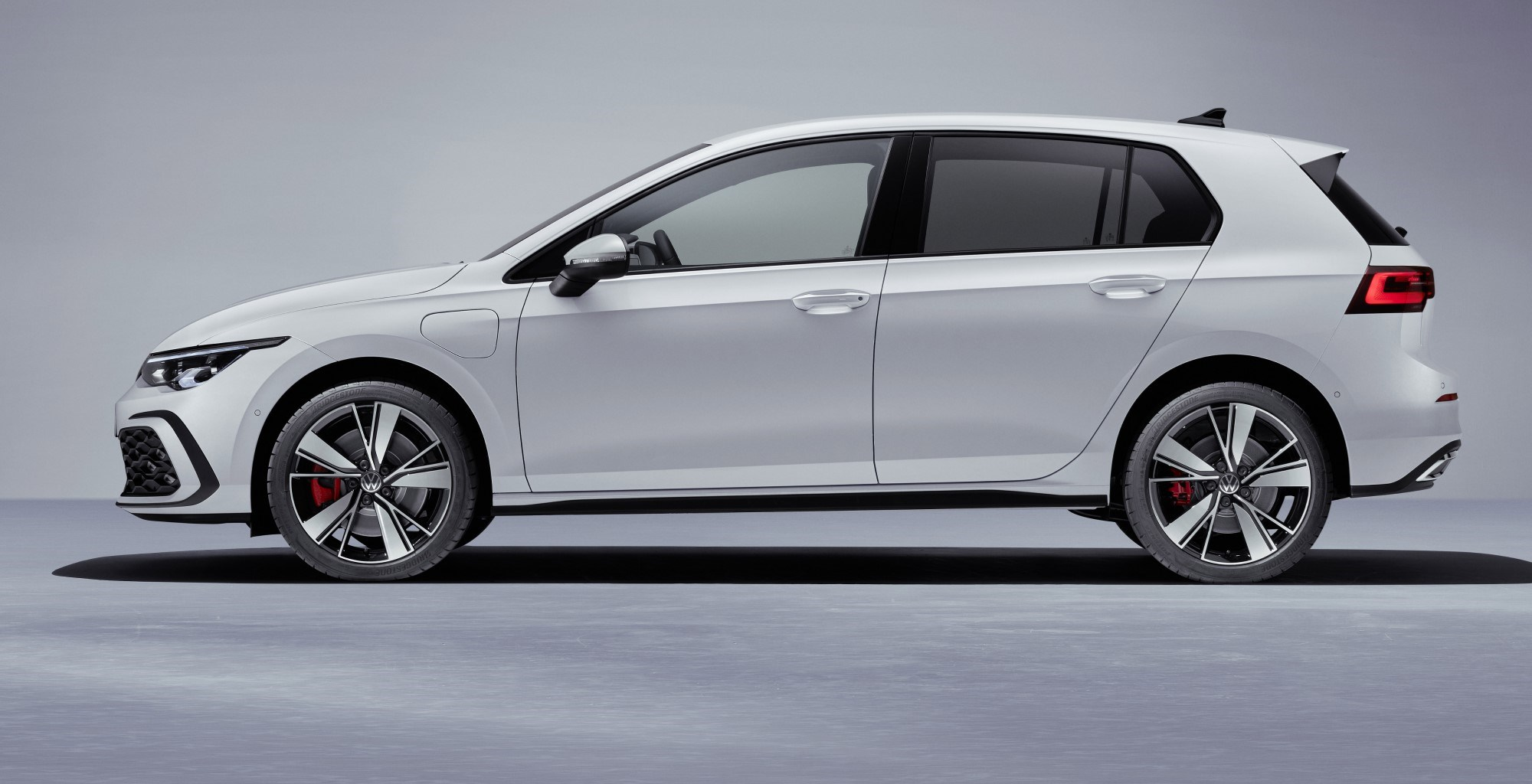 New Vw Golf Gte Hybrid Hatch Breaks Cover Car Magazine
