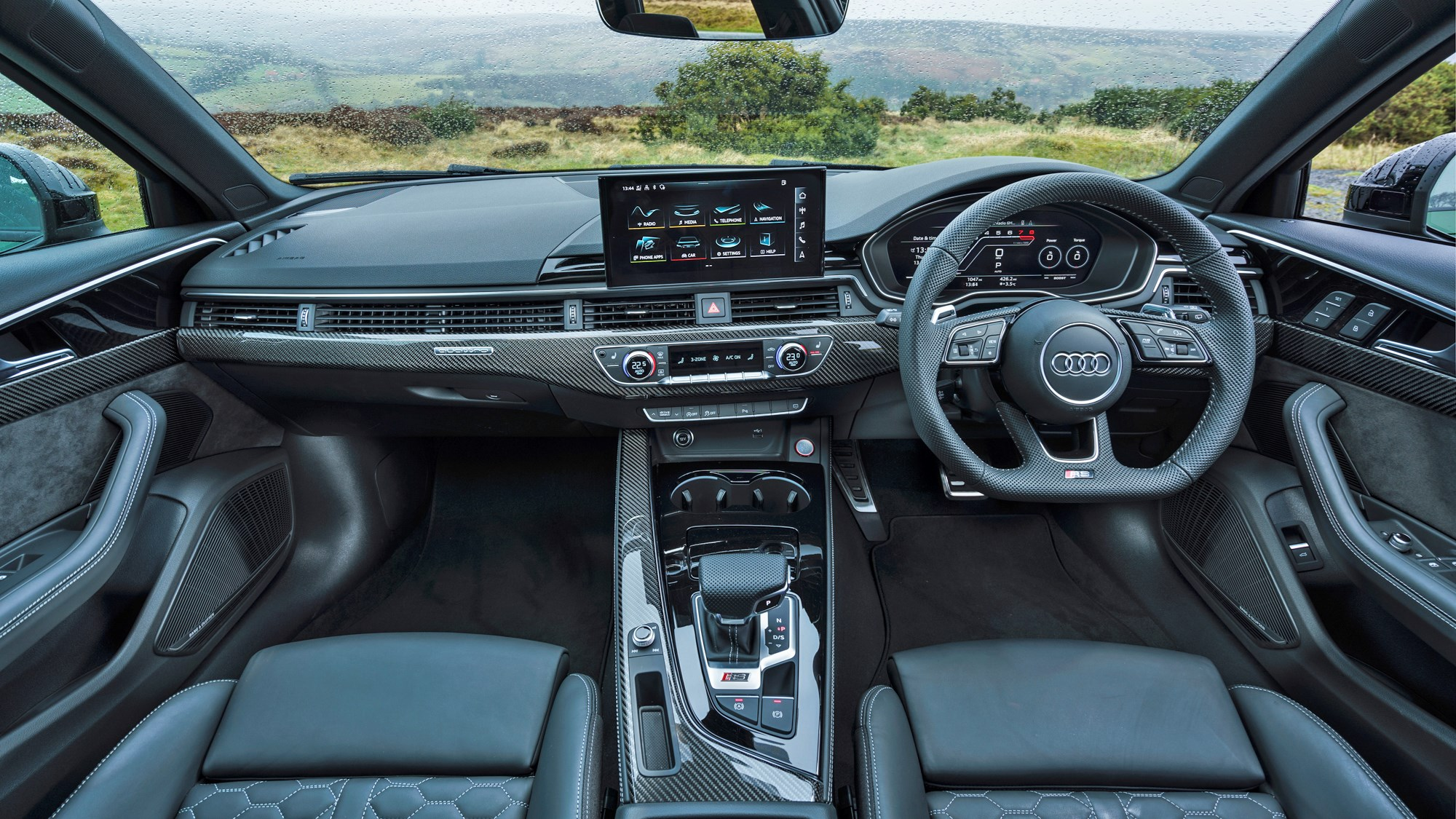 2021 Audi RS4 Avant dashboard full width