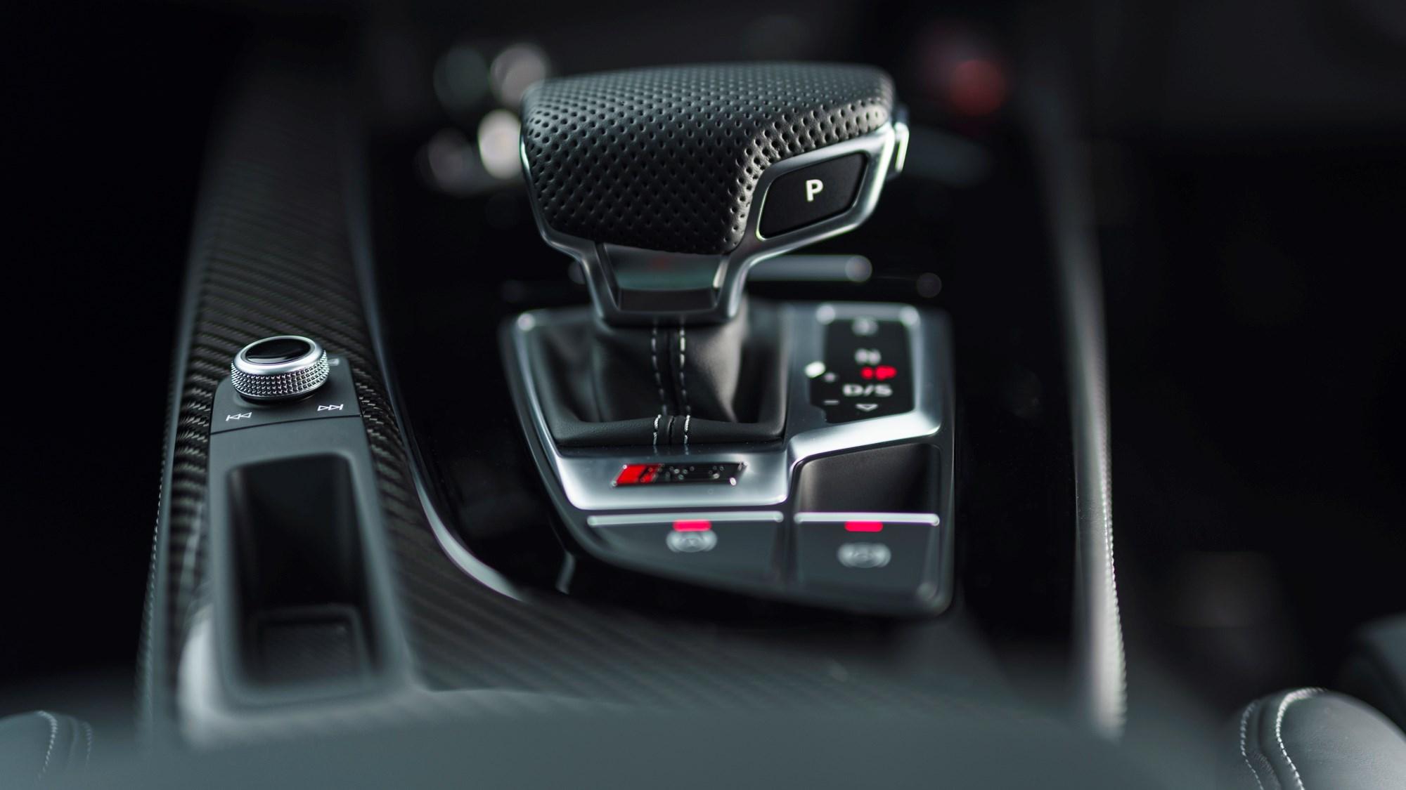2021 Audi RS4 Avant Tiptronic gear lever