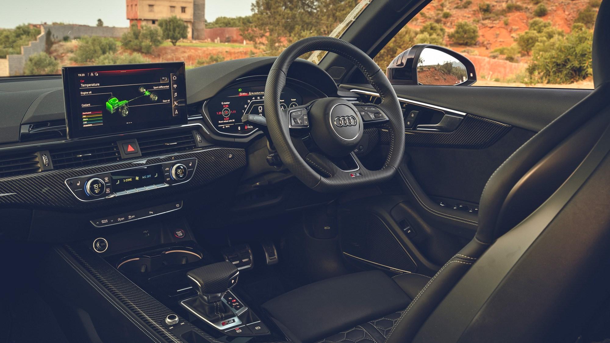 RS4 interior