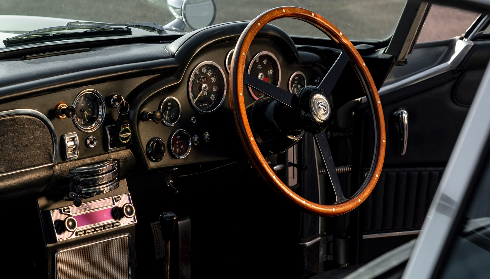 Aston DB5 interior
