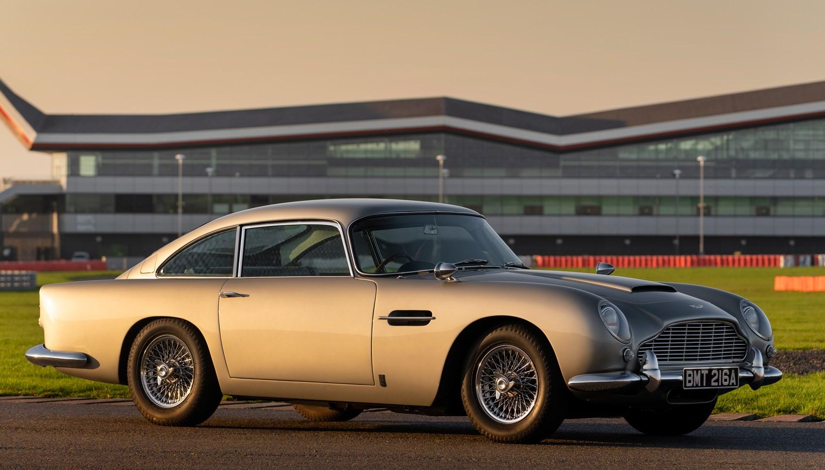 Aston DB5 front static
