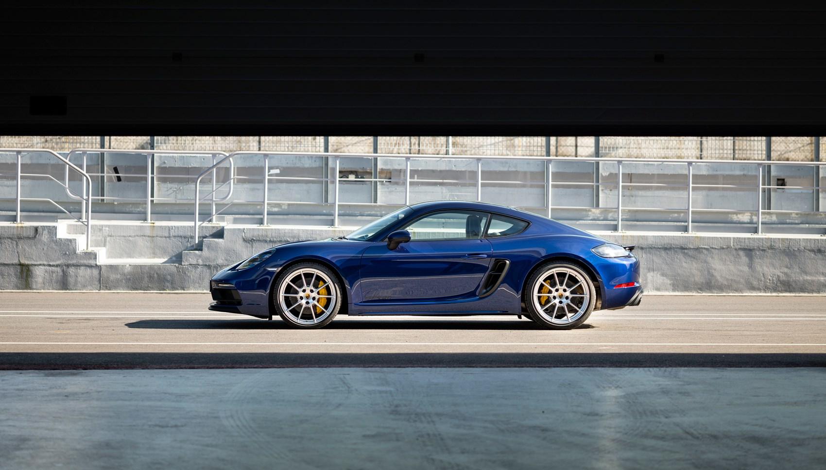 718 GTS 4.0 side