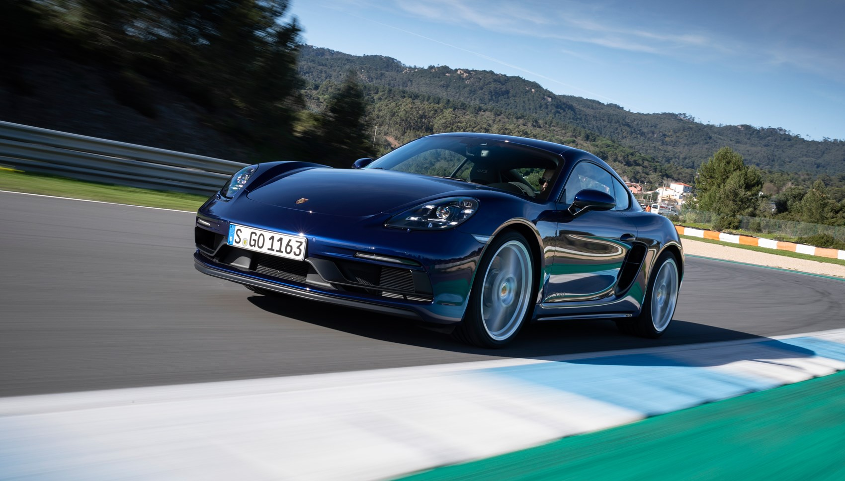 718 GTS 4.0 front tracking