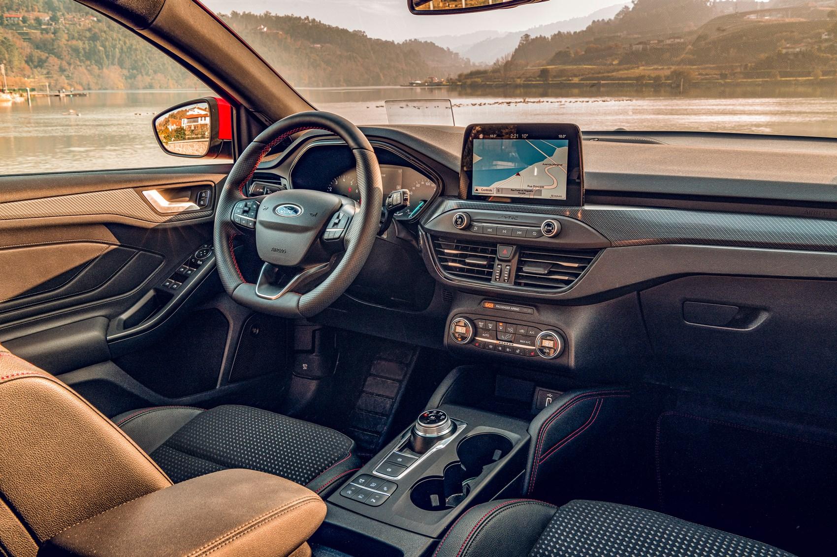 Vw Golf Vs Bmw 1 Series Vs Ford Focus 2020 Triple Test Review Car Magazine