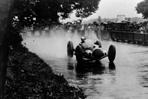 Richard Seaman racing