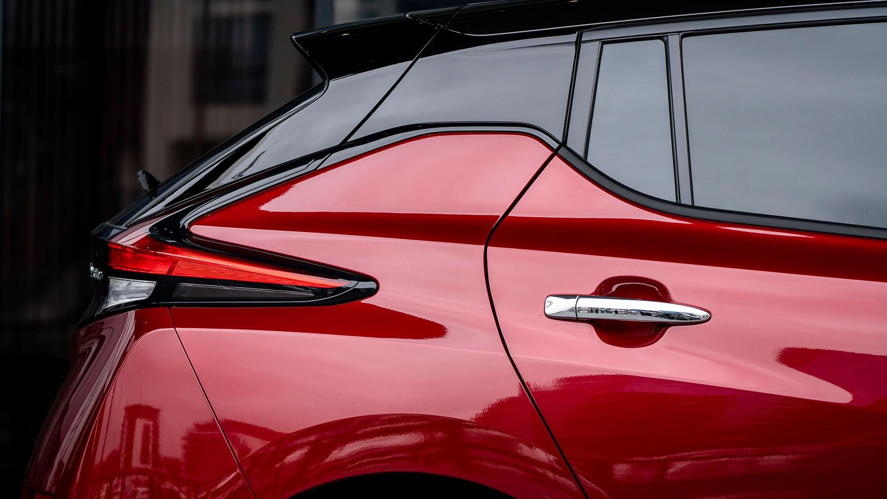 Nissan Leaf rear window