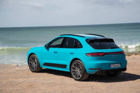 Macan rear quarter