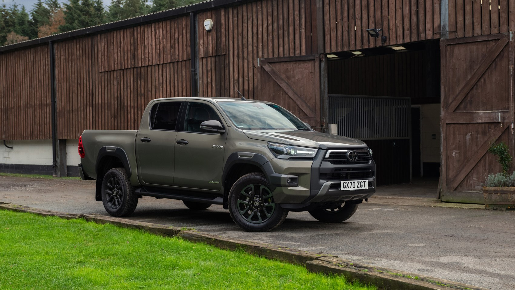 hilux front static