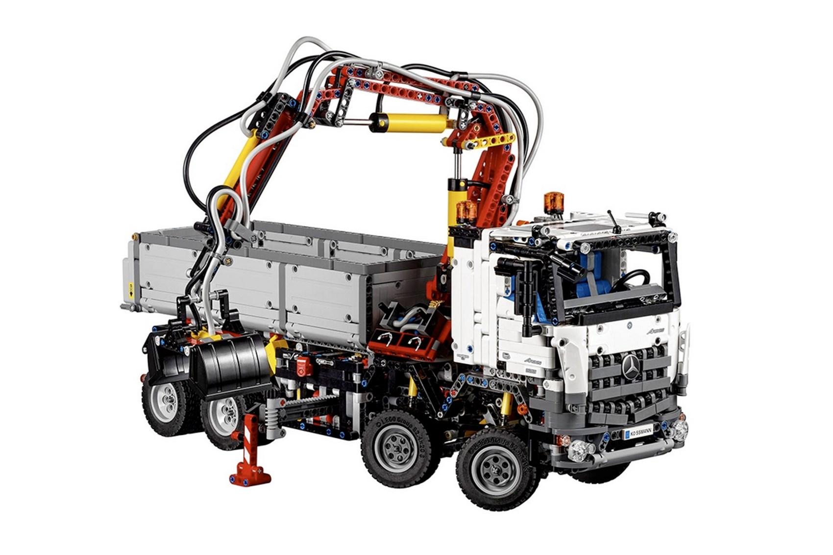 Best car Lego sets to get through lockdown