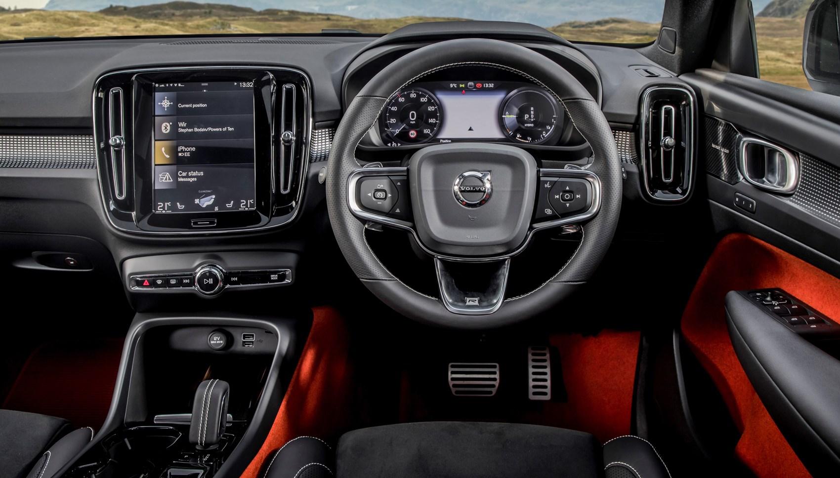 XC40 hybrid interior