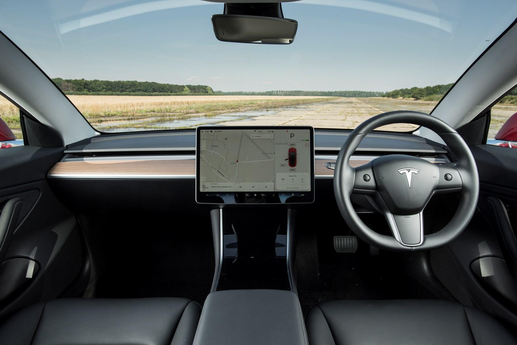 Tesla Model 3 Performance interior