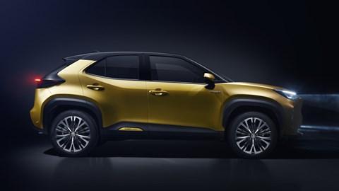 2021 Toyota Yaris Cross - profile