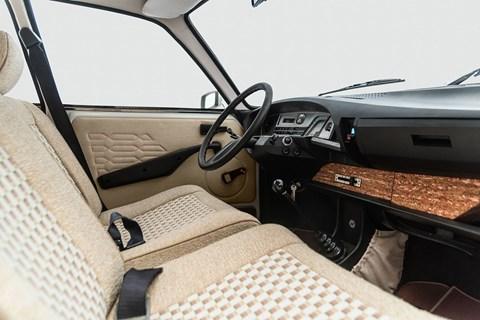 Tristan Auer's Citroen GS interior